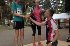 Blommor till vinnare 10 km dam Anna Rahm o herr Otto Kingstedt. Foto Bagisloppet