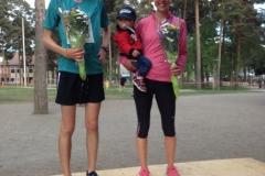 Prispallen 10 km dam Anna Rahm o herr Otto Kingstedt. Foto Bagisloppet